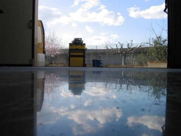 polissage de b ton et ciment mister kool 39 s nettoyage industriel tapis moquette bureaux. Black Bedroom Furniture Sets. Home Design Ideas